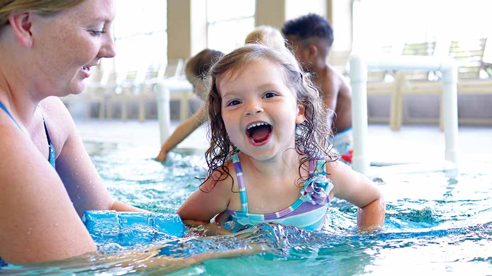 Image of kids in swimming classes for kids